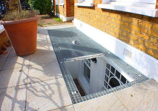 Lấy sáng cho tầng hầm cần chú ý đến vấn đề thoát nước để tránh nước xâm nhập vào tầng hầm.